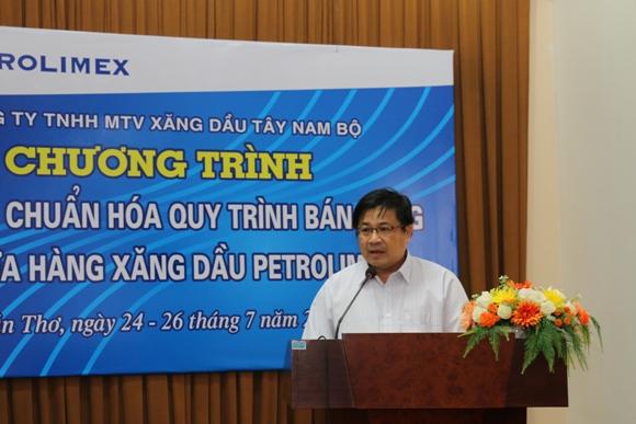 Ông Hồ Phú Triệu - Phó giám đốc Petrolimex Cần Thơ phát biểu khai giảng khoá học