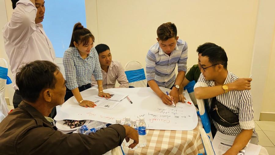 Thảo luận nhóm trong lớp học của BVNT Tiền Giang